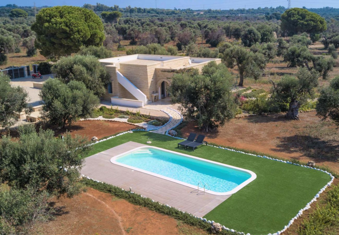 Villa in Patù - Design-Villa mit Pool in Meeresnähe