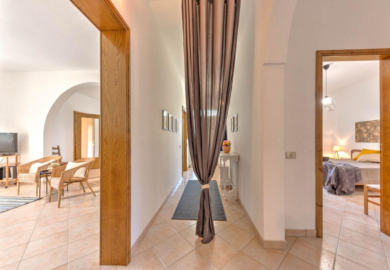 Villa a Castrignano del Capo - Villa tranquilla con piscina privata tra gli ulivi