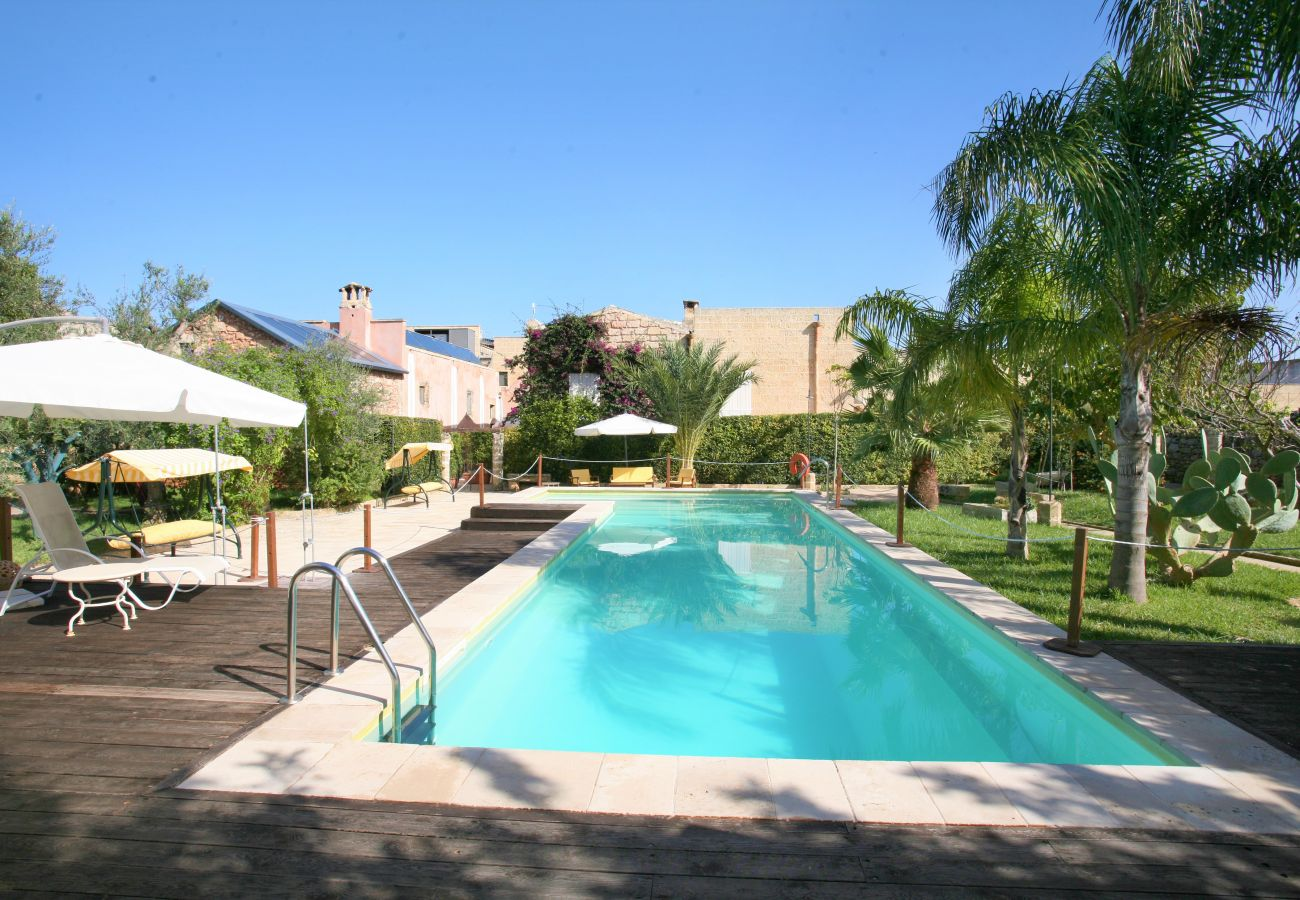 Casa a Patù - Splendida casa storica con piscina e parco (A)