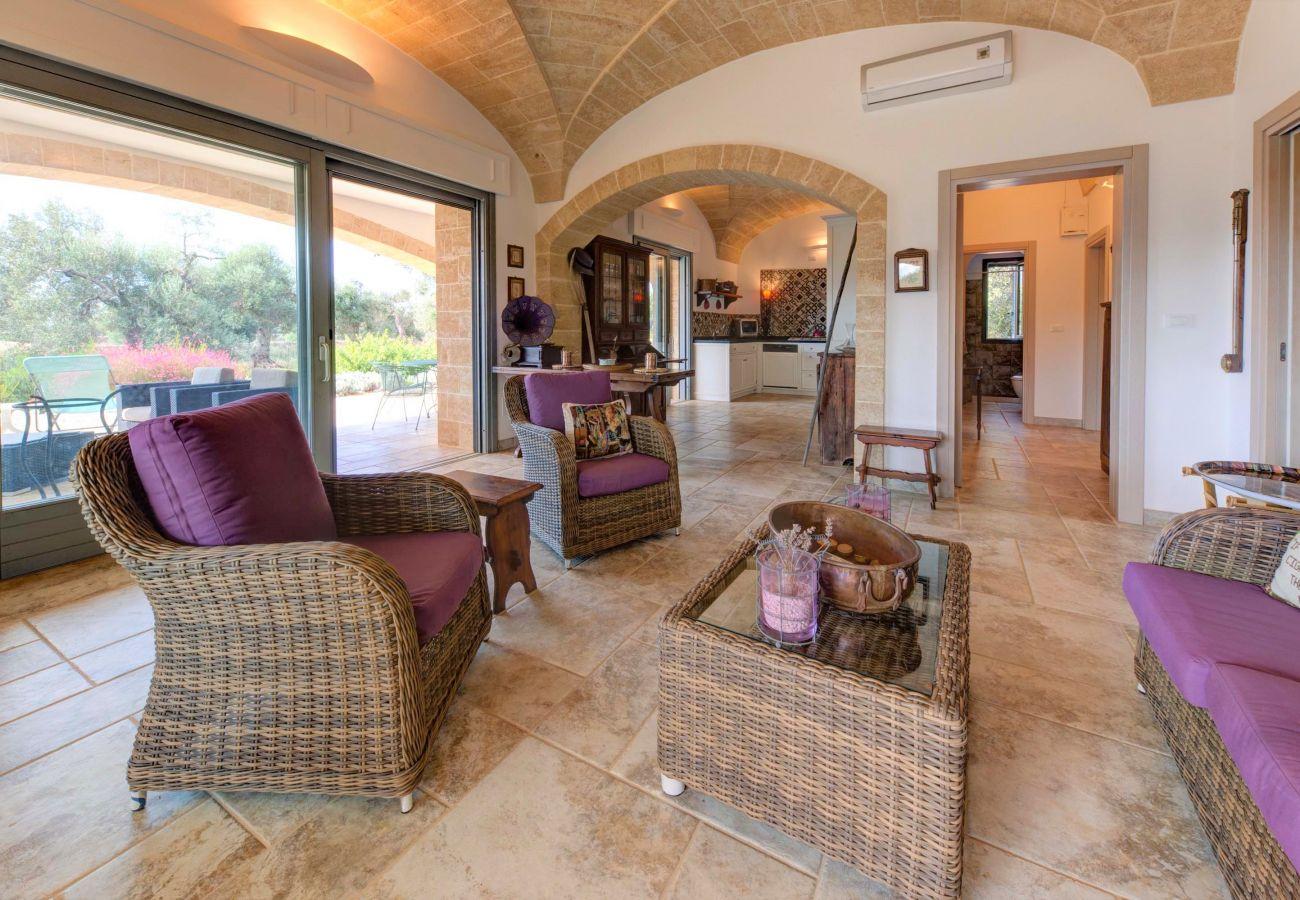 Villa a Patù - Lussuosa villa di design con piscina a 2 km dal mare
